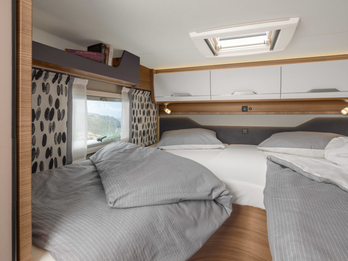 ActionCamper Wohnmobil mieten Plochingen Bett