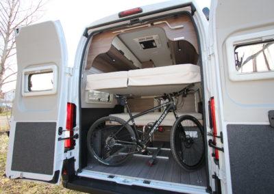 ActionCamper Wohnmobil mieten Plochingen Fahrradgarage