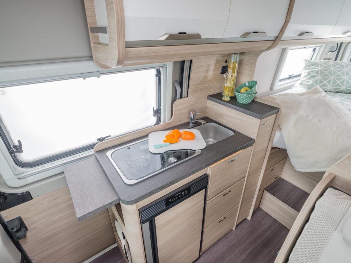 ActionCamper Wohnmobil mieten Plochingen Küche